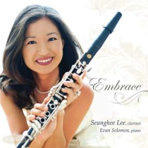 Embrace – Seunghee Lee